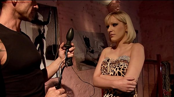 Curious Isabelle wants a new sexual experience.BDSM movie.Hardcore bondage sex. Thumb