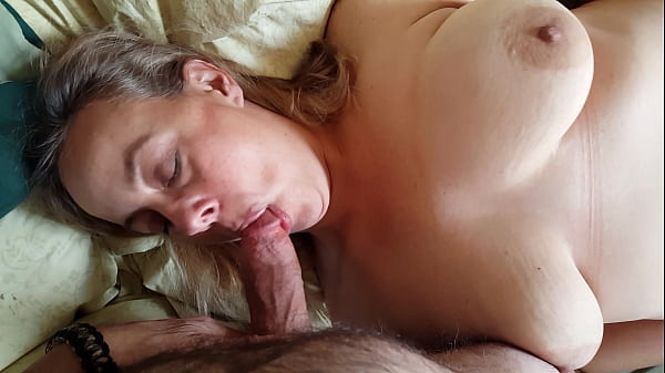 Mature Amateur POV Cheating Chubby MILF Fucks y...