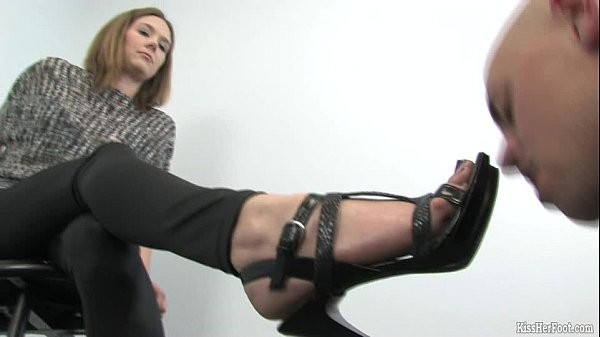 Foot Fetish domination by Mistress Star Thumb