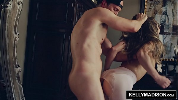 Ryan Madison Gives Paige Owens Hard Fuck and Deep Creampies