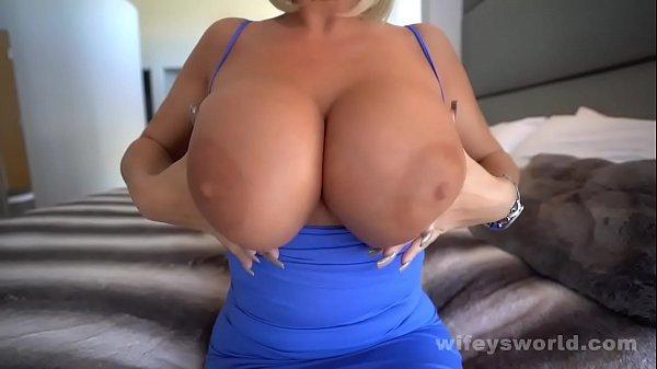 Fucking The HOT MILF Nextdoor And Cumming In Her Mouth