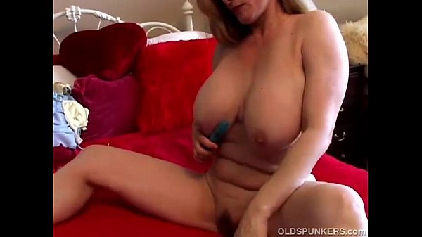 French Milf Amateur Huge Tits