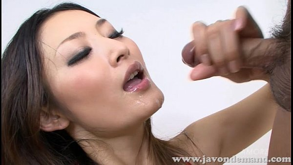 Risa Murakami sucks two cocks and takes cum