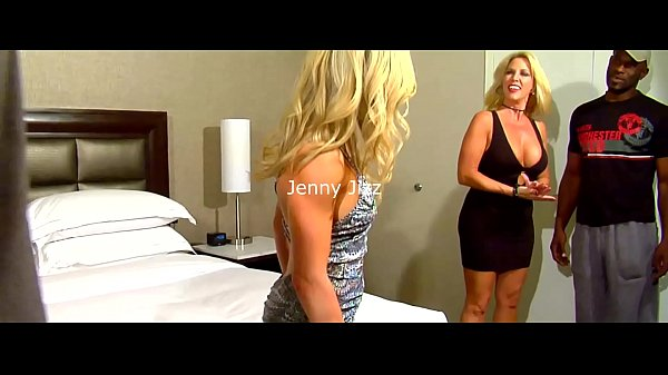 Bangin' with Mandy Monroe and Jenny Jizz Part 1of3