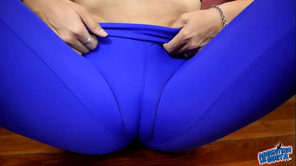 Beautiful Blonde Gives us a Perfect Cameltoe Fe...