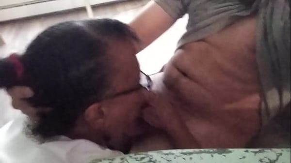 Old hoe swallows the nut