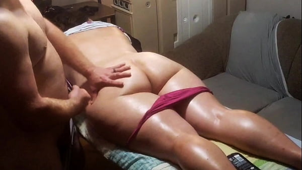 Tall PAWG falls a. while getting a Massage from Horny Masseuse