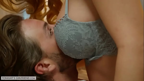 TonightsGirlfriend Katie Morgan gives fulfills fans ultimate sexual fantasy