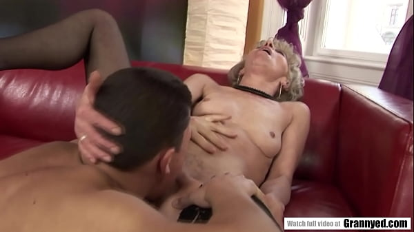 Margarette enjoys how a muscular guy smashing her old pussy