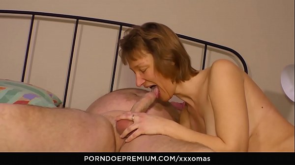 XXX OMAS - Amateur German granny Manuela H. needs a good fuck