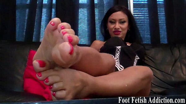 Suck on my delicious size 6 feet