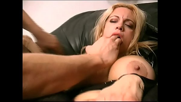 Federica Tommasi ass and hand friend (Full Movies)