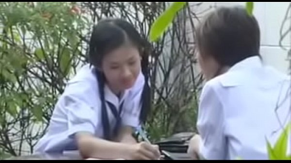 หนังโป๊ไทย คาบสองคอซอง นักเรียนสาวxxxโดนหนุ่มพามาเย็ดสด