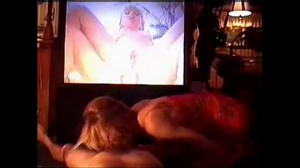 Blowjob while watching porn