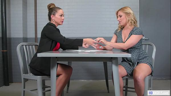 Exhibicionist Woman And The Lawyer - Abigail Mac, Lindsey Cruz - Girlsway - Squirting Lesbian