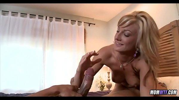 Amateur Blonde Cougar loves the D