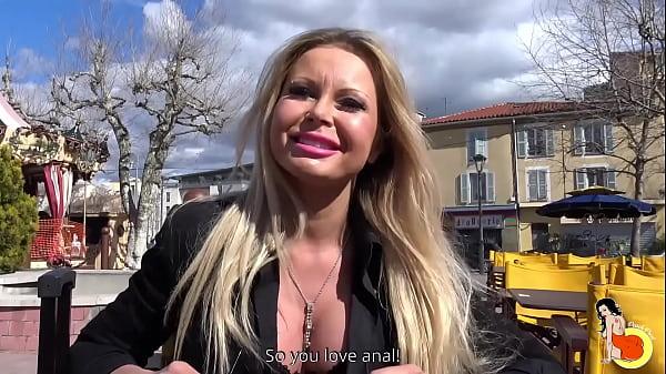 Stunning Johanna Bujoli from Poland having a hard sex with a hard cock guy Thumb