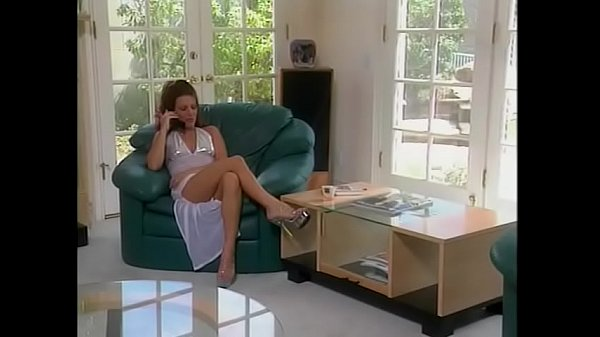 Playful redhaired MILF Heather Lyn decided to p...