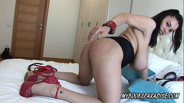 Helen Star busty babe slapping her huge tits and ass Thumb