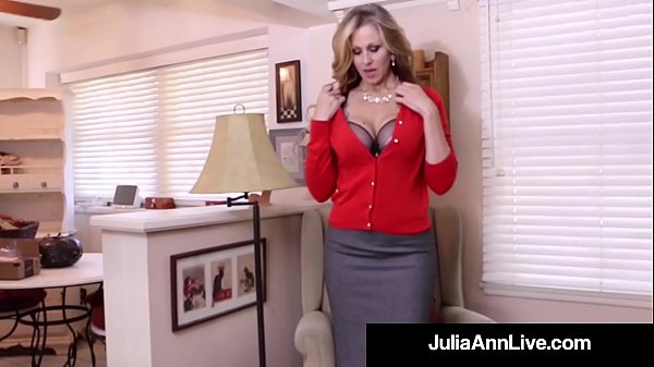 Busty Milf Julia Ann Bangs Her Hot Pussy with a...