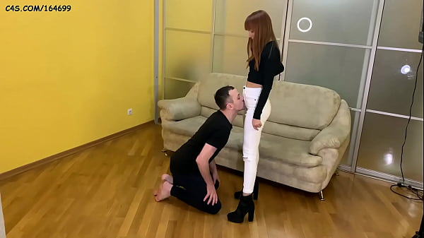 Domina Kira Humiliation Her Slave - Jeanssittin...