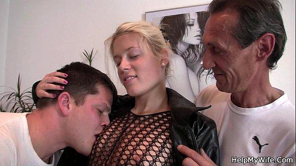 Marito cazzo giovane guardando porno