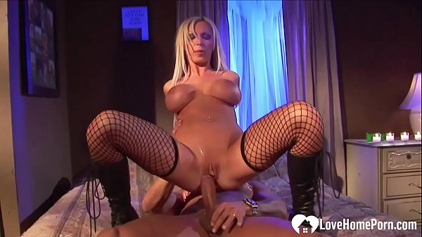 Kinky blonde in fishnets gets her cunt rammed Thumb