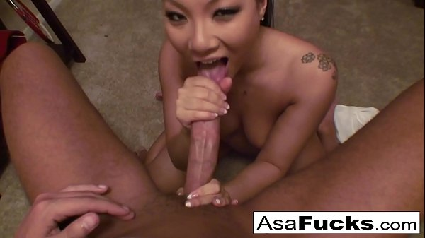Asa Akira gives an amazing deep throat blow job