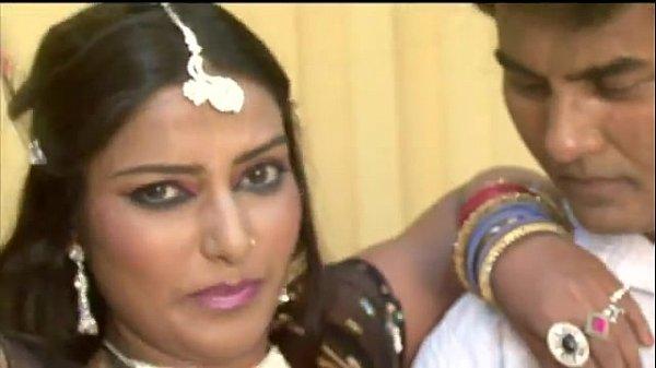 Super Hot Indian Song - Sadak Se Sansad Tak.FLV