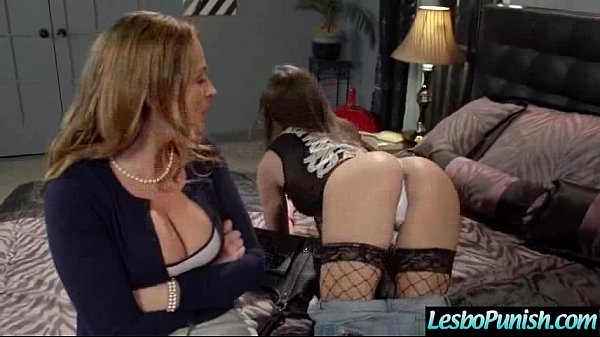 Nasty Wild Lesbians Play Hard In Front Of Cam movie-15 Thumb