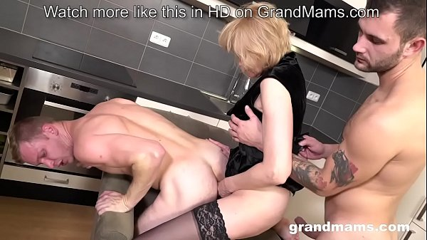 Granny Pegging young guy after sucking dicks in...