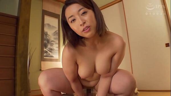 The Naked Housewife: Adachi, Tokyo - Kanna Shinozaki (32