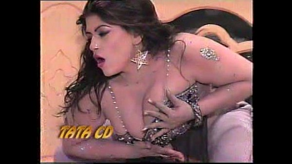 My hot and Sexy Sister's nude Pujabi Mujra-2