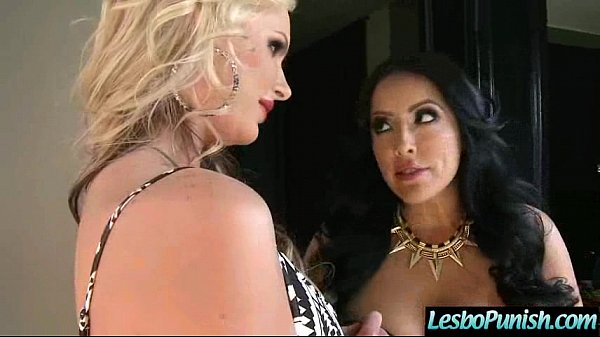 Nasty Wild Lesbians Play Hard In Front Of Cam movie-23 Thumb