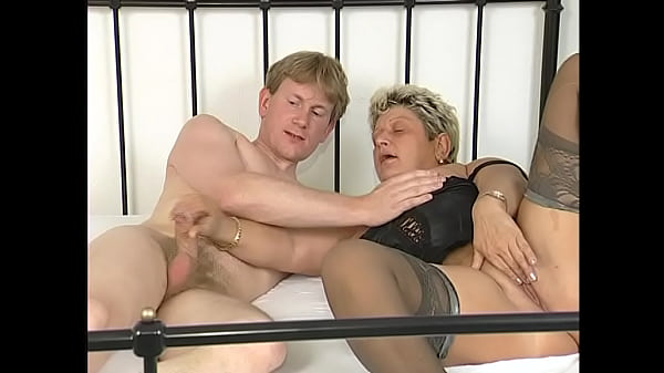 Milf seduces younger man to have sex