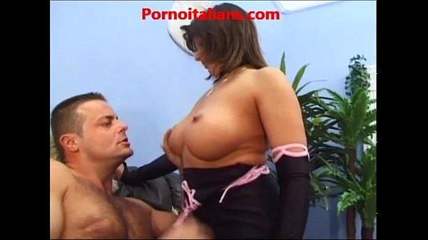 Madre moglie succhia cazzo enorme porno italiano