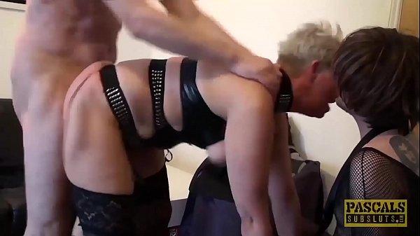 Mature British whore anally drilled hard before...