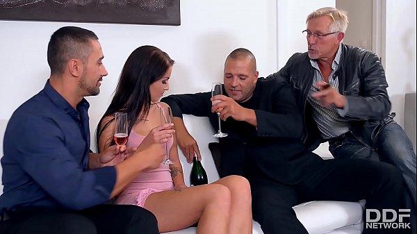 Pimp recruits Loren Minardi for a Double Penetration Party