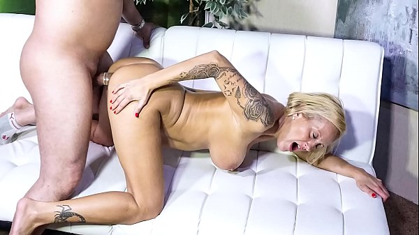 SEXTAPE GERMANY - Silicone-titted German blonde...