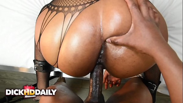 SUBMISSIVE EBONY SLUT HONEY FUCKED HARD AND FACIALIZED