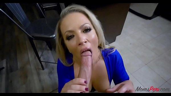 Mom caught daughter suck dick Daughter Caught Mom Sucking On Stranger S Dick Carmen Valentina Kiara Cole Xvideos Com