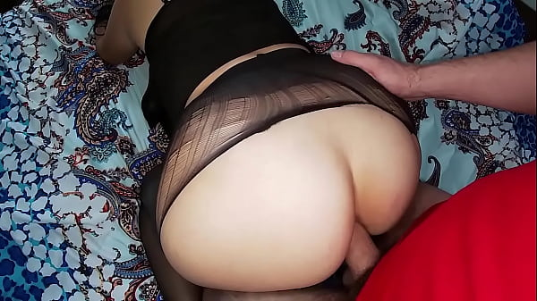 Mature stepmom with big ass gave stepson blowjo...