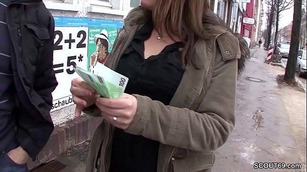 Teen auf der Strasse angesprochen und fuer Geld...