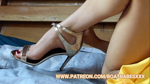 BoatBabesXXX - Foot Fetish With Sapphire Blue -...
