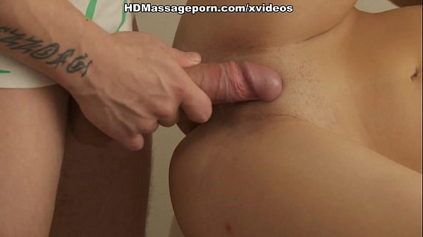 Sexy chick seduces her masseur with blowjob and...