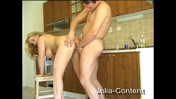 Privat Fuck in kitchen Thumb