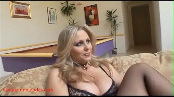 Blacksruinblondes.com blond mom milf cogar puss...