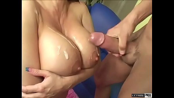 Stephanie Wylde is a busty MILF thats hot and ready to have sexual relations Thumb