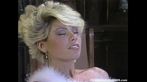 Gail Force fucked in classic porn scene