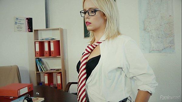 Horny Teacher Gives A Fucking Lesson / A Professora Substiputa Thumb